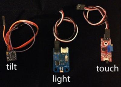 Ohbot 2 Sensoren - licht, aanraking en beweging